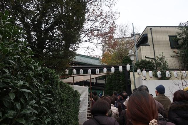 一陽来復 穴八幡宮神社 行列  お守り 冬至 混雑  お守り 金運 アクセス