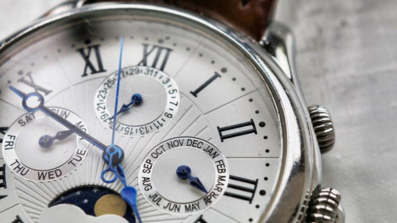 やめる時間術 24時間を自由に使えないすべての人へ ワーママはる 感想 レビュー 要約 時計 ワーママ